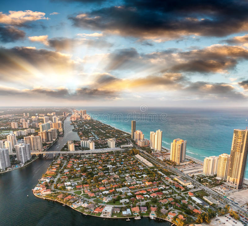 迈阿密海滩如被看见从直升机 免版税库存图片