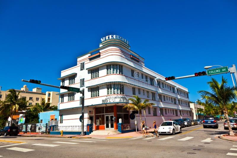 迈阿密海滩,佛罗里达。在南海滩的艺术装饰建筑学是其中一个主要旅游胜地在迈阿密。 图库摄影