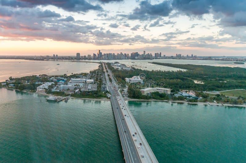迈阿密美妙的地平线日落的,鸟瞰图 免版税库存图片
