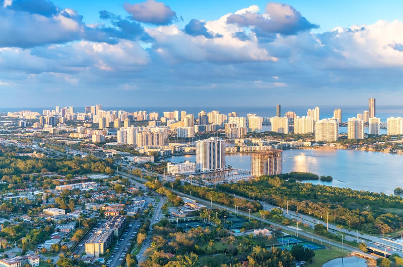 迈阿密美妙的地平线日落的,鸟瞰图 免版税图库摄影