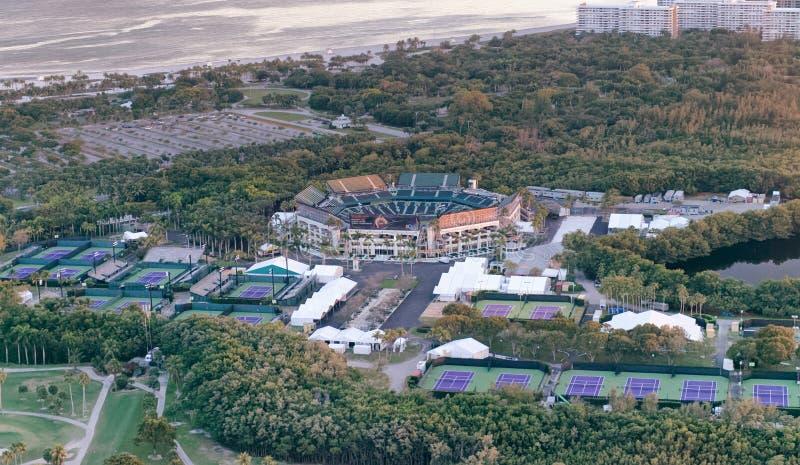 迈阿密- 2016年2月27日:Crandon公园在Key Biscayne,空中 免版税库存图片