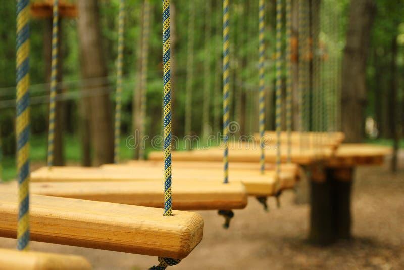 绳索运动公园 免版税库存照片