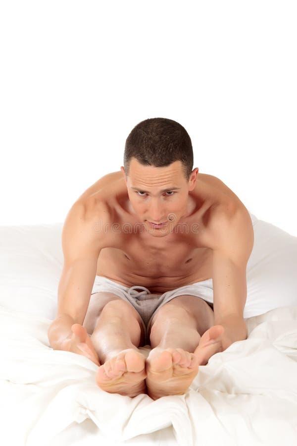 运动员健身男瑜伽 免版税图库摄影