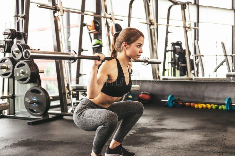 运动女孩锻炼 库存图片