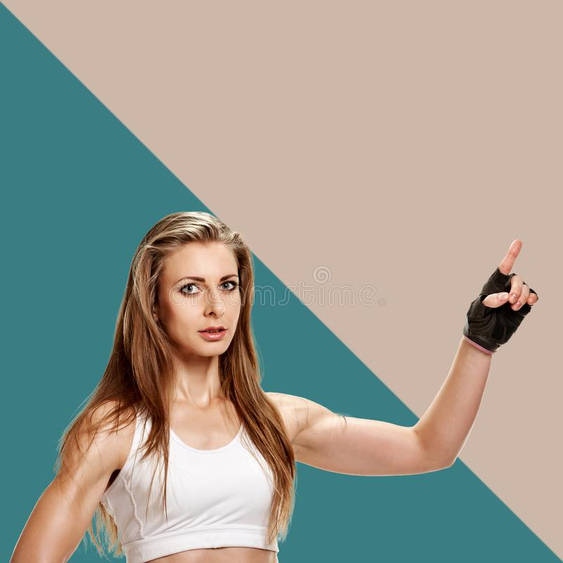 运动女运动员打手势 免版税库存照片