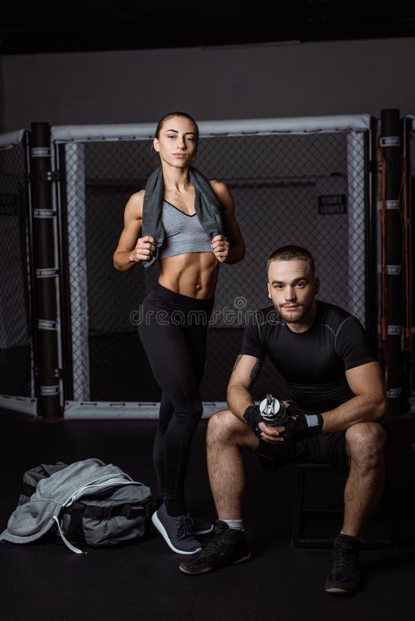 运动的年轻夫妇 图库摄影