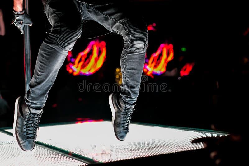 运动鞋舞蹈家,脚 免版税库存照片