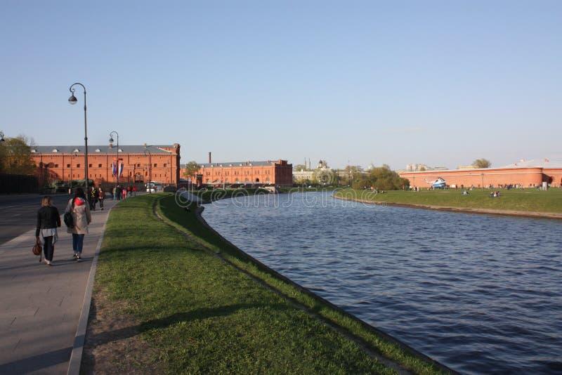 运河和武器博物馆的看法在彼得斯堡 库存图片