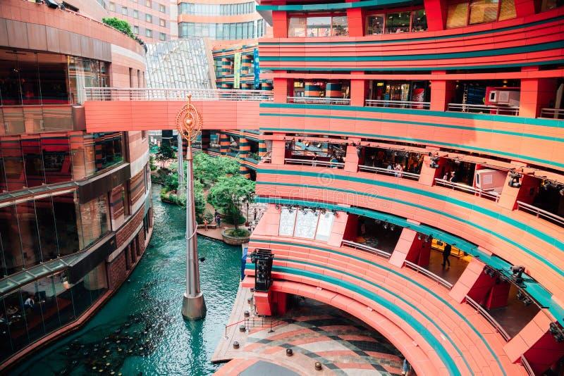 运河城市Hakata,现代建筑学看法在福冈,日本 免版税库存照片
