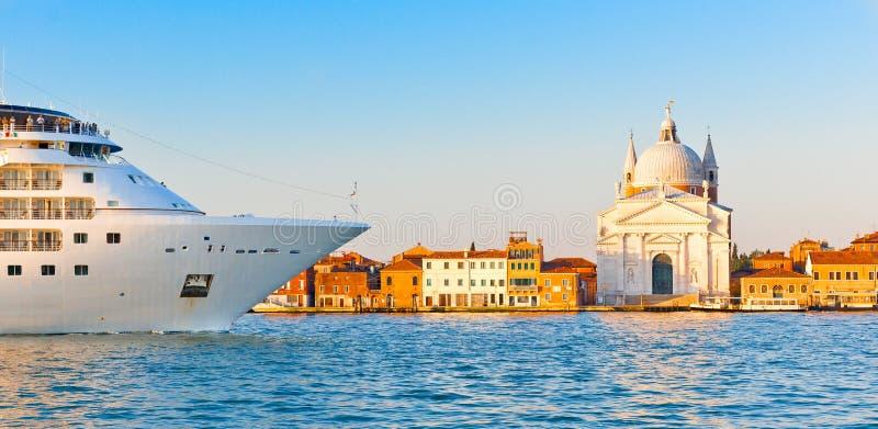 运河巡航意大利帆船威尼斯 库存照片