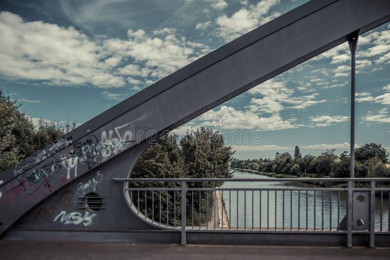 运河桥梁 免版税库存图片