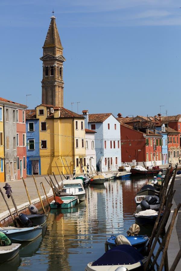 运河的多色的家 免版税图库摄影