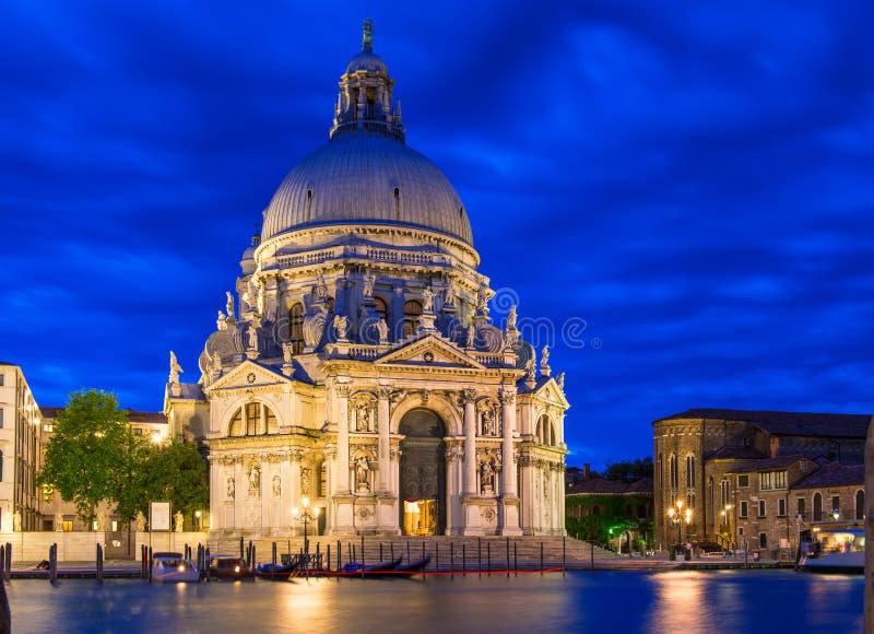 运河重创和大教堂二圣玛丽亚della致敬,威尼斯 库存图片