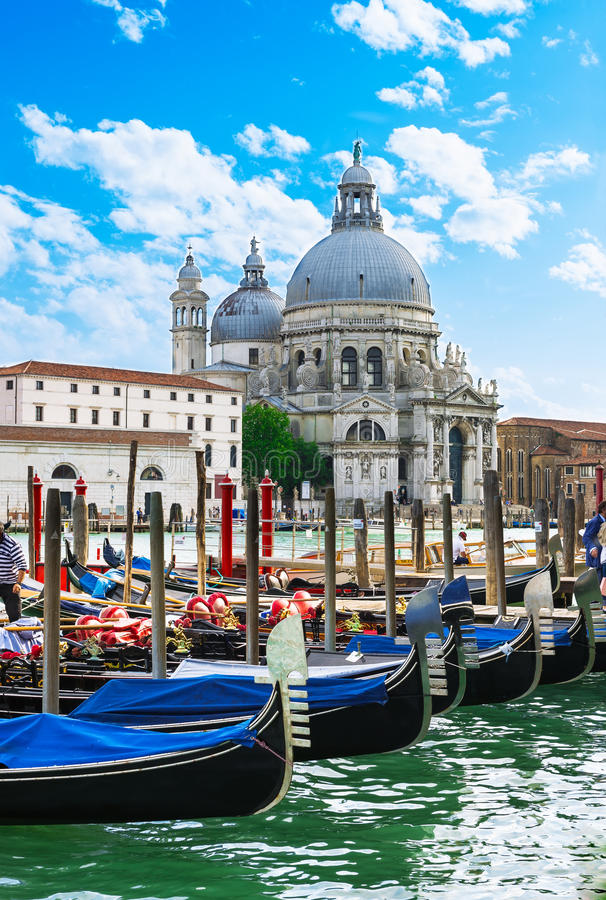 运河重创和大教堂二圣玛丽亚della致敬,威尼斯 图库摄影
