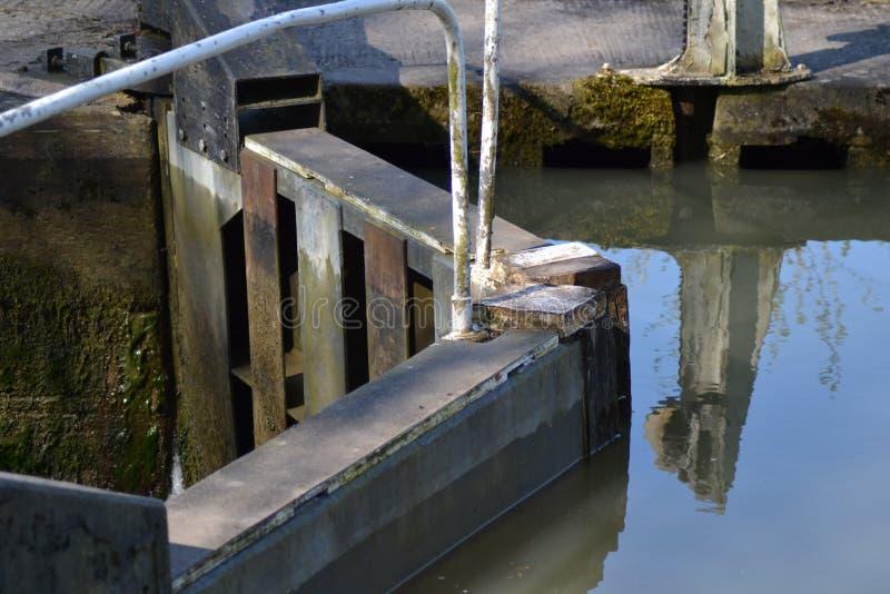 运河锁在雅芳河畔布拉福 免版税库存图片