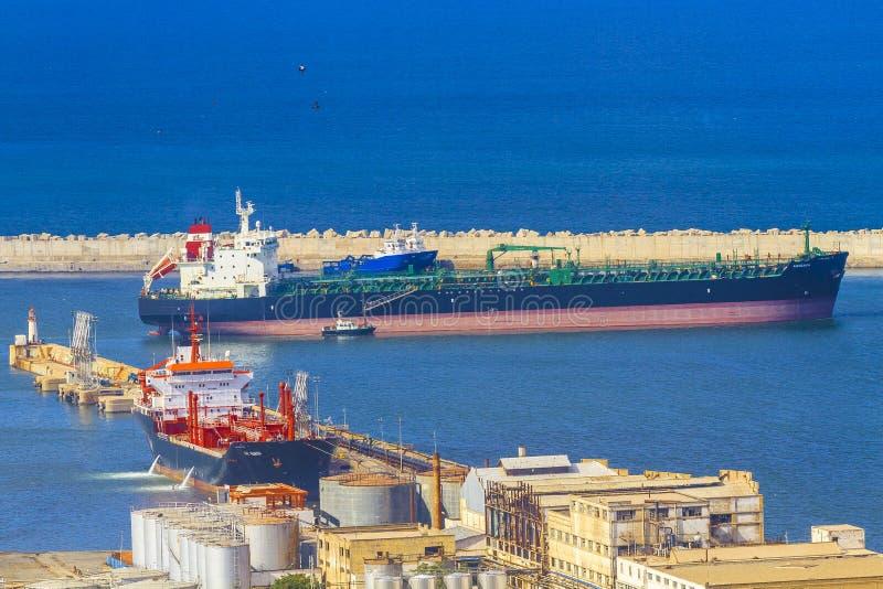 运河货物德国基尔石油船罐车 免版税图库摄影