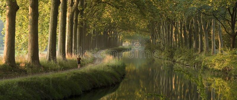 运河du密地早晨全景 免版税库存图片