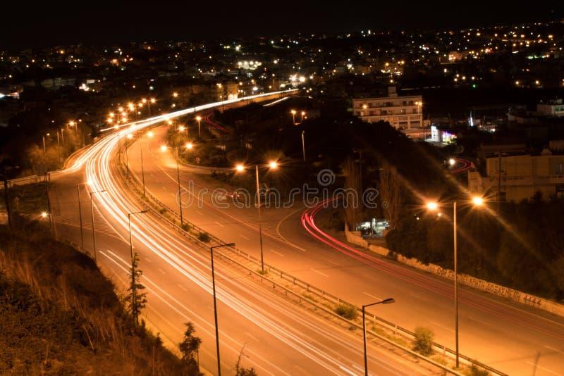 运行在伊拉克利翁克利特希腊的国道的汽车 免版税库存图片