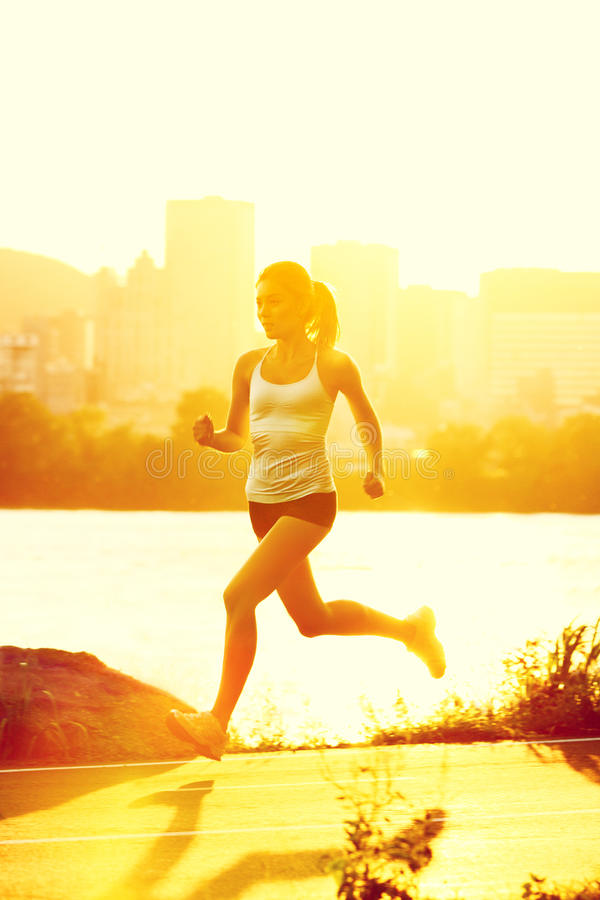 运行妇女的赛跑者 库存图片