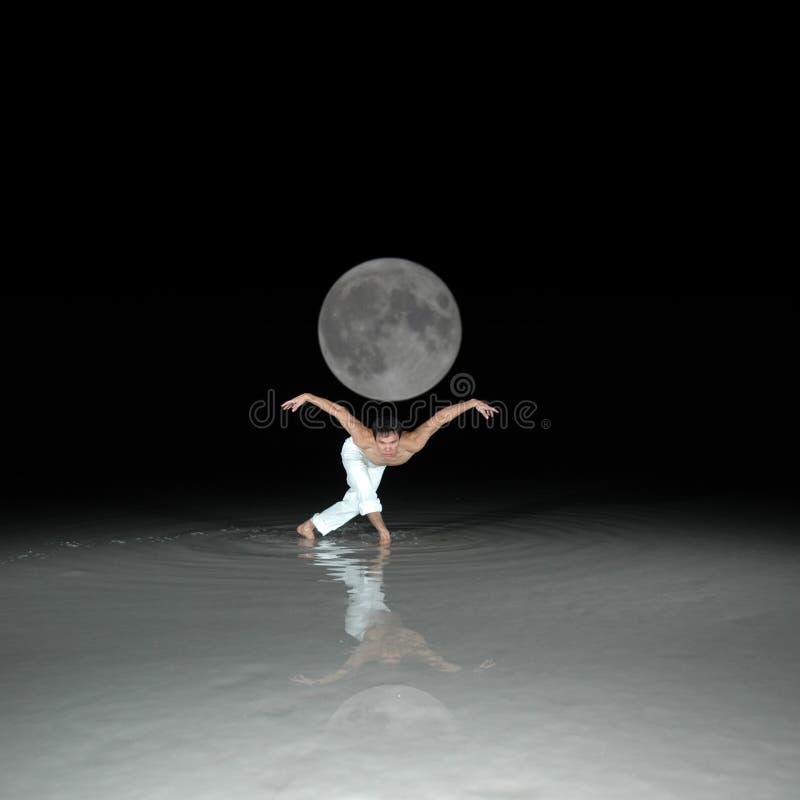 运载月亮 库存图片