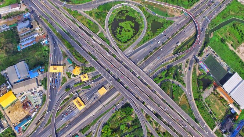 运输高速公路结构泰国寄生虫ariel视图上面地标 免版税库存图片