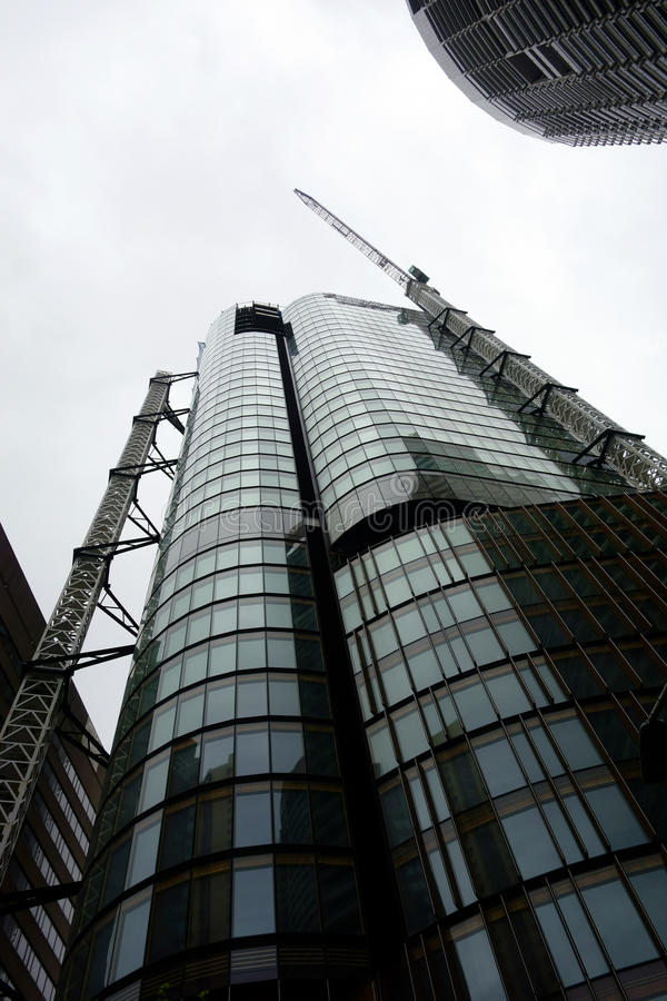 临近完成的摩天大楼 库存图片