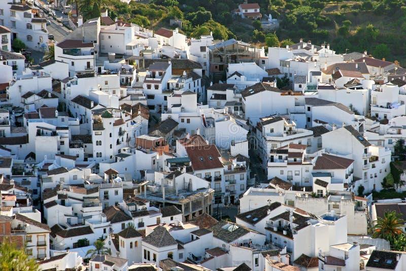 近早期的marbella早晨ojen西班牙城镇 免版税库存图片