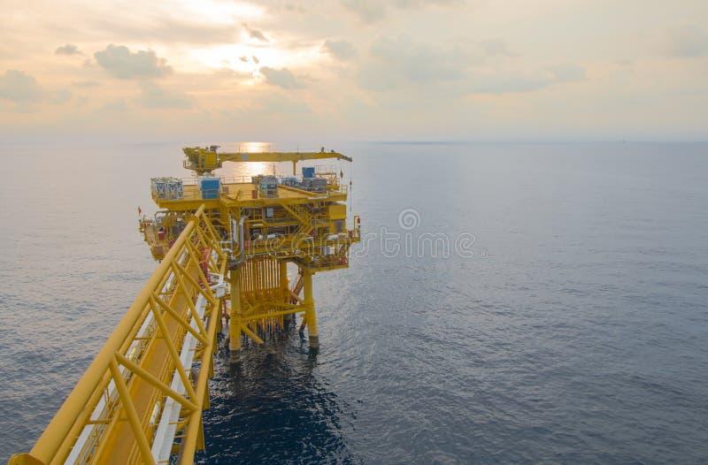 近海产业油和煤气的阀门指南 免版税图库摄影