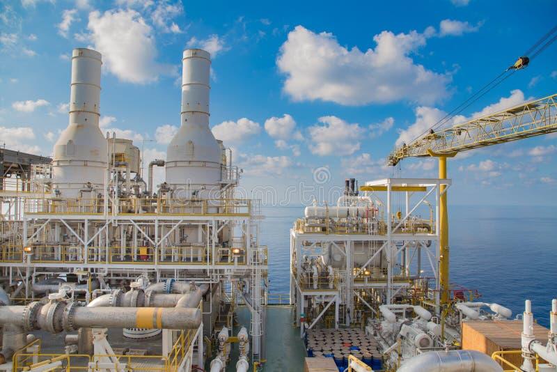 近海油和煤气中央处理平台 免版税库存图片