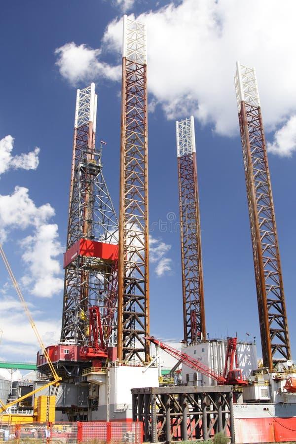 近海石油平台 免版税库存照片