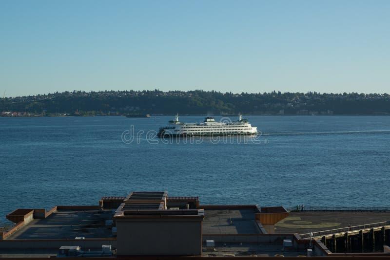 返回到口岸的西雅图轮渡 库存图片