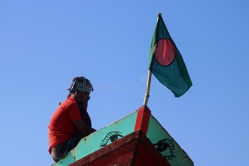 这在小船的一面孟加拉国的旗子 图库摄影