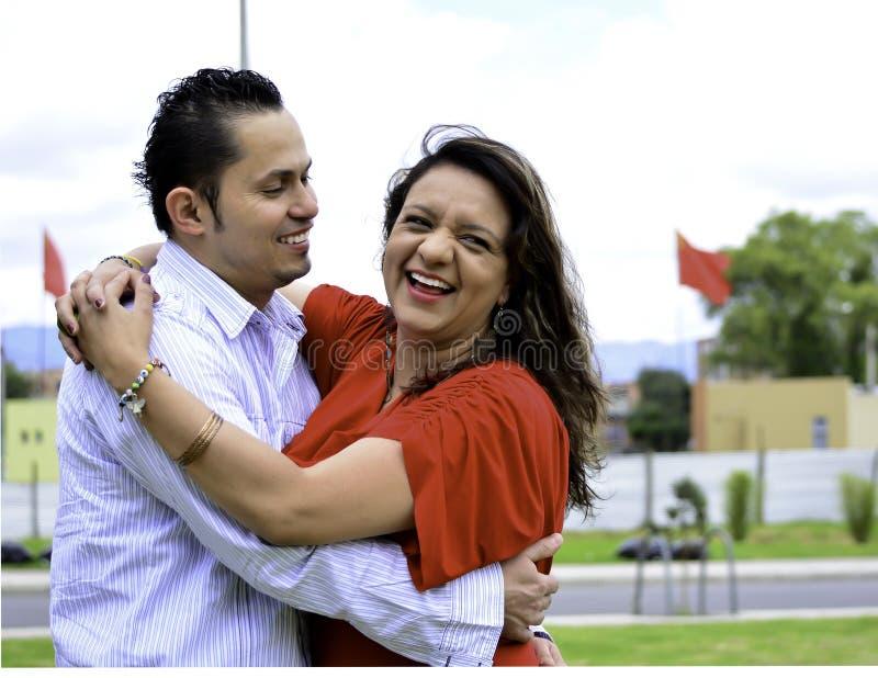 这是一对愉快的夫妇 免版税库存图片