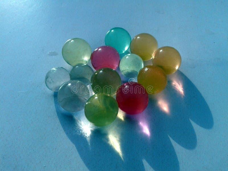 这是五颜六色的玻璃marbels的图象 库存图片
