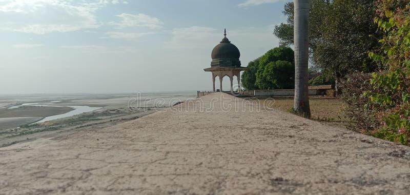 这是印度阿拉哈巴德建造云水的一幅图景 免版税库存照片