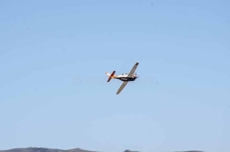 这是去一架非常缓慢的飞机快速能您看到它 库存照片