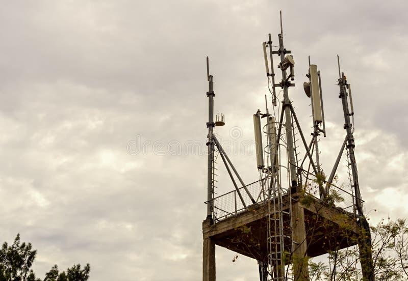 这是在KK 31大道的无线电帆柱 免版税库存图片