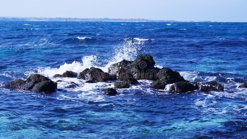这是济州岛Udo美好的蓝色海风景  图库摄影
