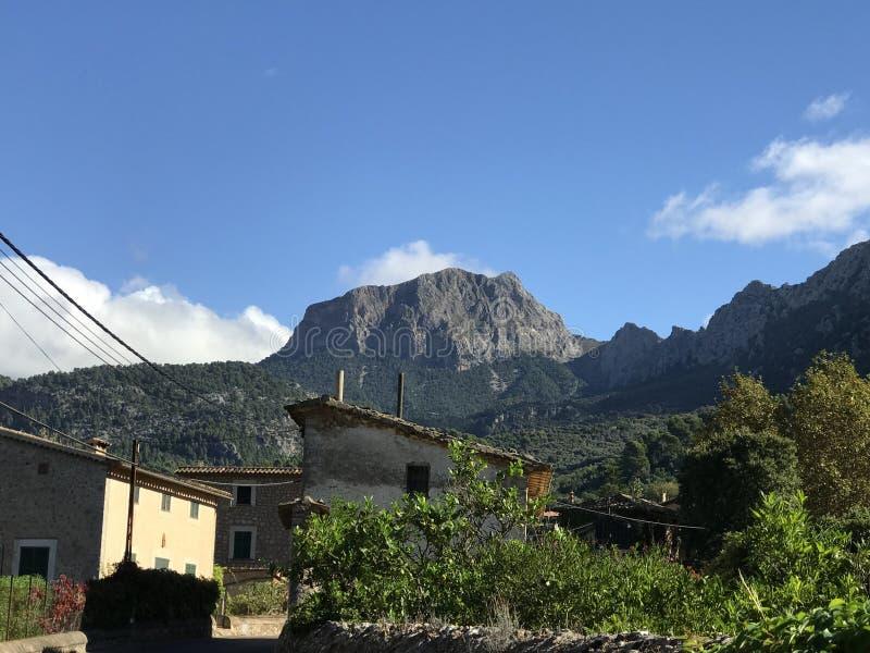 这是美丽的村庄 库存图片