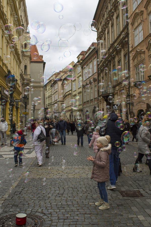 这是街道气球在布拉格 免版税库存图片