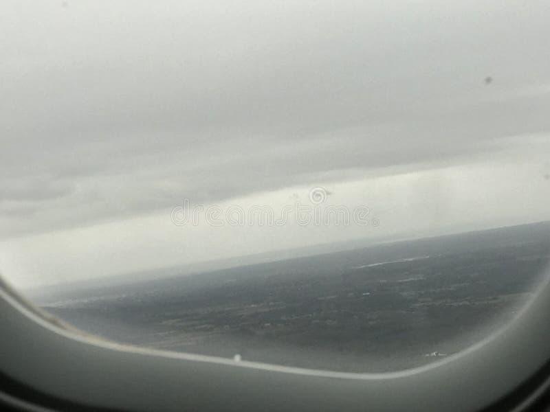 这是飞机和窗口 免版税库存照片