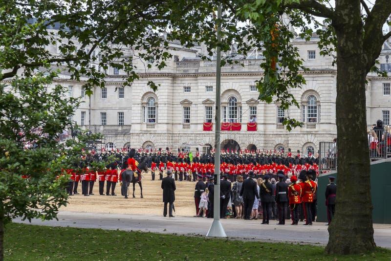 进军颜色仪式在君主的正式生日期间 库存图片