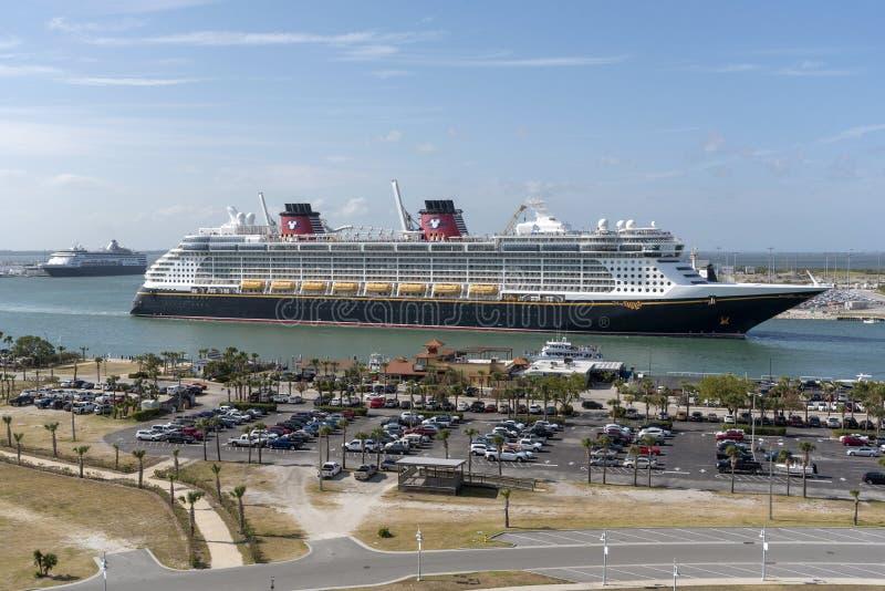进行中的游轮 港卡纳维拉尔,佛罗里达,美国 免版税图库摄影