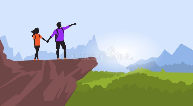 远足人妇女剪影在山岩石峭壁的夫妇旅客立场 向量例证
