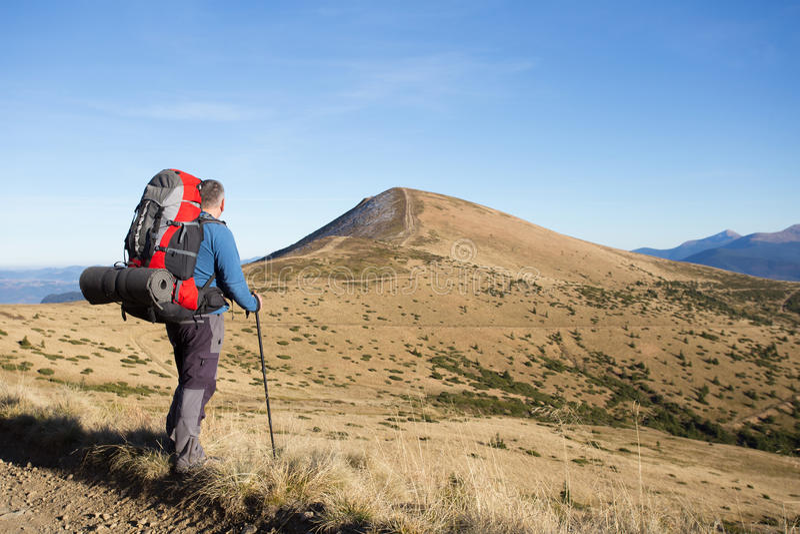 Download 远足在高加索山脉 库存照片. 图片 包括有 冰砾, 天空, 冷颤, 春天, 底板, 早晨, 蓝色, 自然 - 62533170