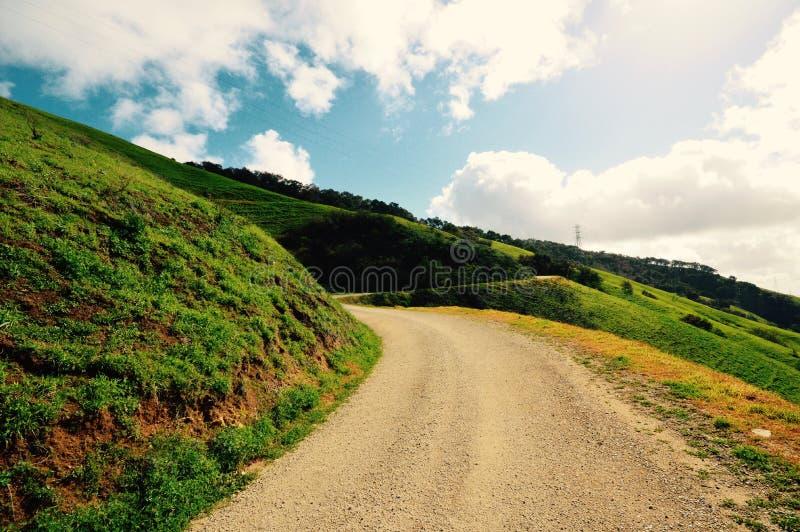 远足在高速公路101的Cuesta等级 库存图片