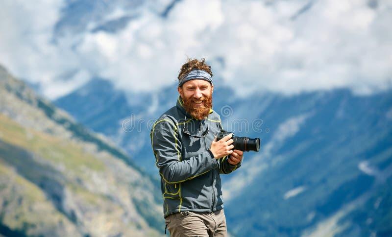 远足者在通行证顶部 免版税库存照片