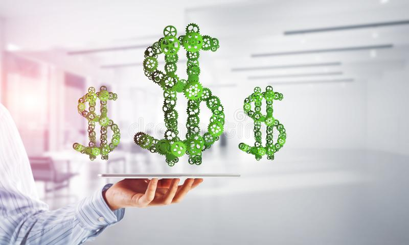 连接和网络概念作为金钱收入手段在白色办公室背景 库存图片