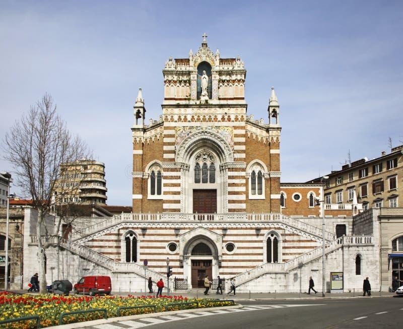 连斗帽女大衣教会(我们的卢尔德的夫人教会)在力耶卡 克罗地亚 库存图片