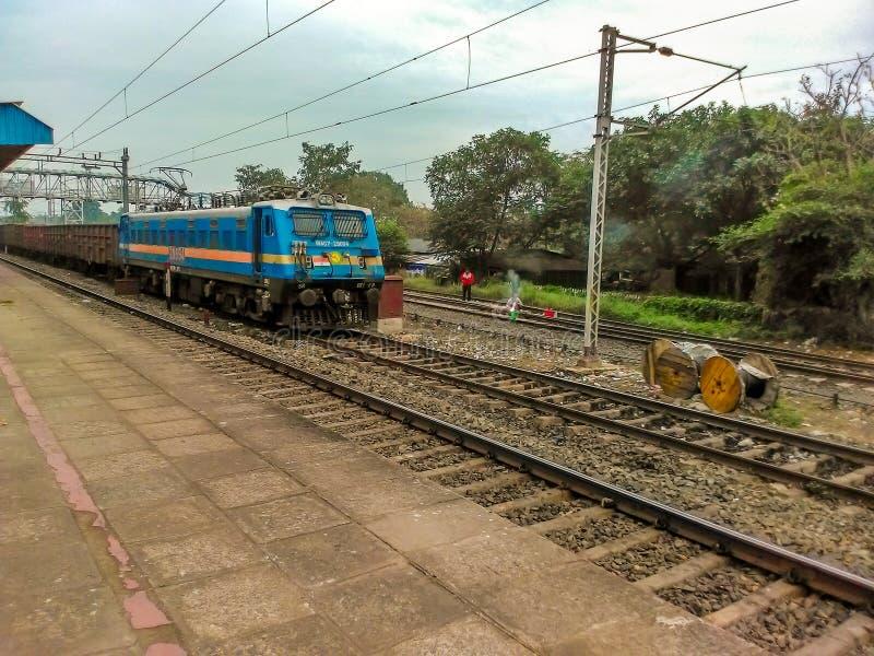 连续路轨在印度 库存图片